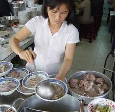 banh-canh-serving